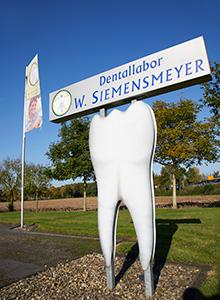 Schild: Dentallabor W. Siemensmeyer
